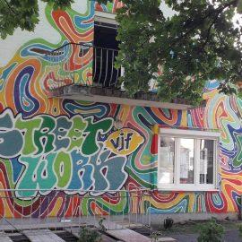 UNSERE  GRAFFITTI FASSADE IST FERTIG