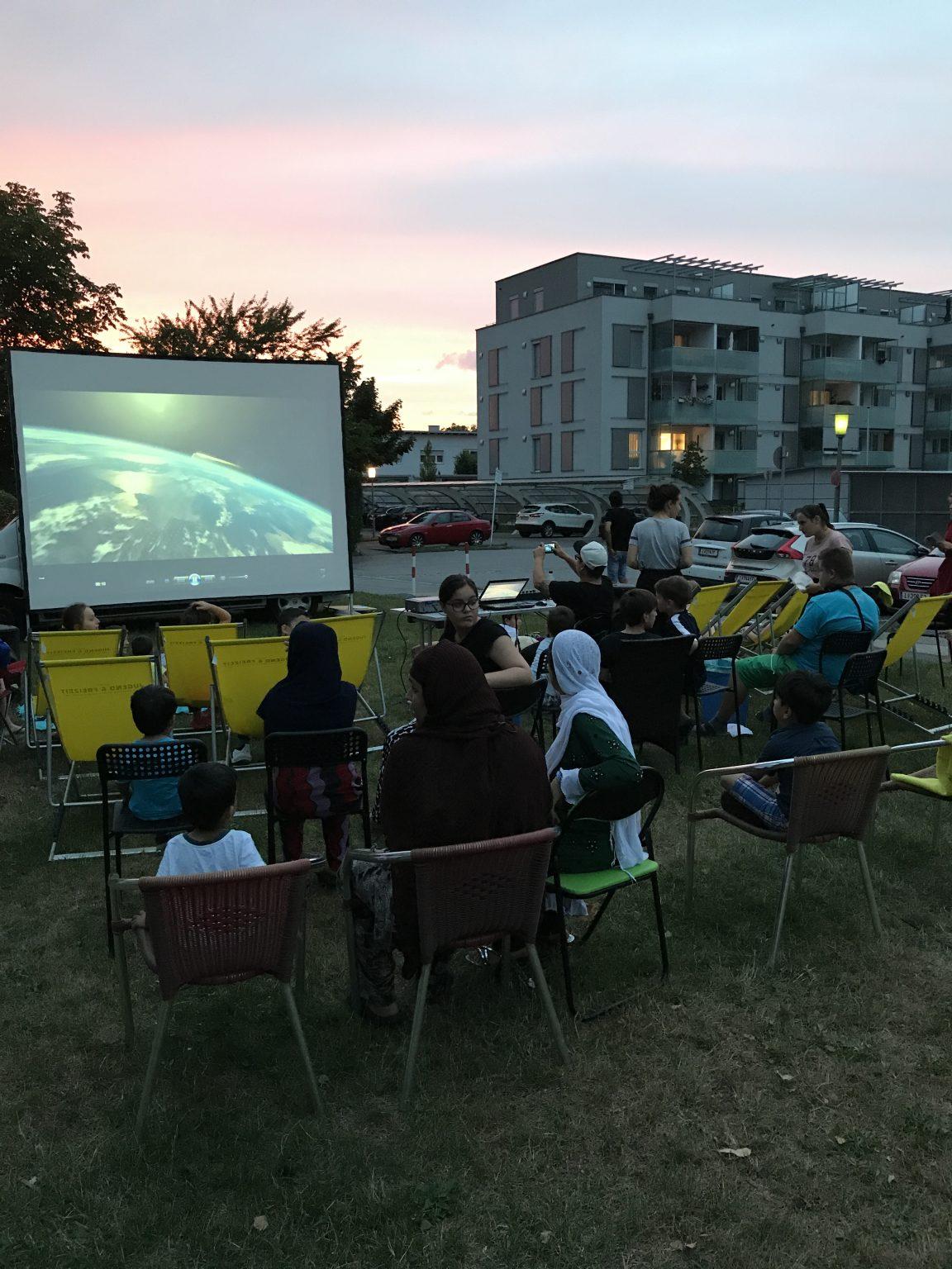 http://vjf.at/netzwerk-sued/wp-content/uploads/sites/18/2017/08/Kino_4.jpg